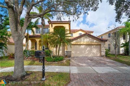 Photo of 4102 Pinewood Ln, Weston, FL 33331 (MLS # F10211466)