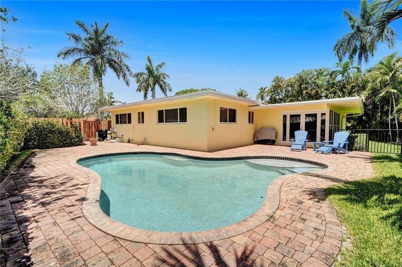 Photo of 2400 NE 26th Ter, Fort Lauderdale, FL 33305 (MLS # F10281468)