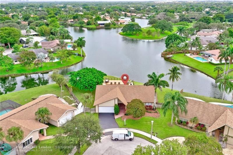 Photo of 9340 NW 16th St, Plantation, FL 33322 (MLS # F10303472)