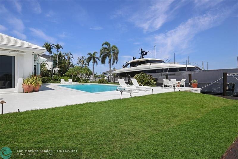 Photo of 1719 SE 12th Ct, Fort Lauderdale, FL 33316 (MLS # F10304473)