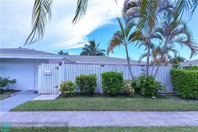 126 West Ct, Royal Palm Beach, FL 33411 - #: F10293476