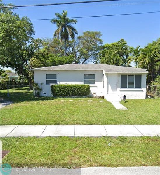 Photo of 204 SW 7th Ave, Hallandale Beach, FL 33009 (MLS # F10291479)
