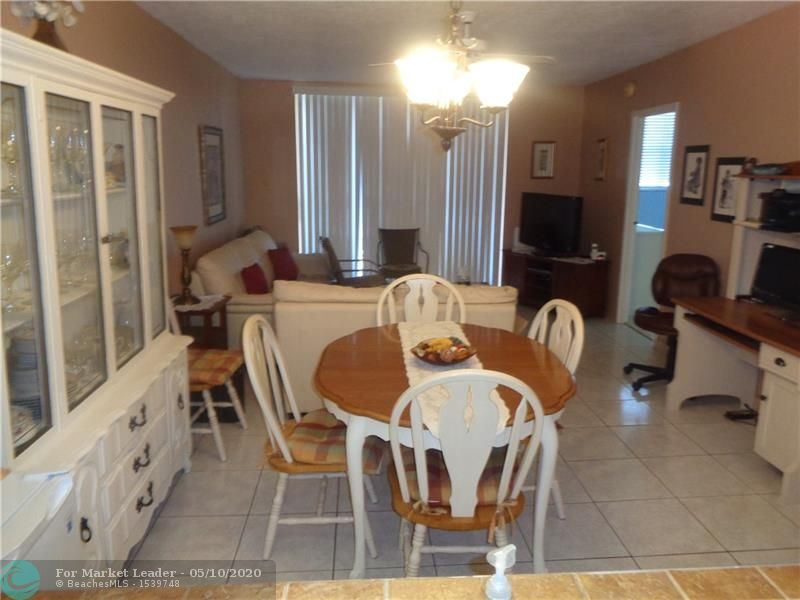 2851 Somerset Dr #411, Lauderdale Lakes, FL 33311 - #: F10228486