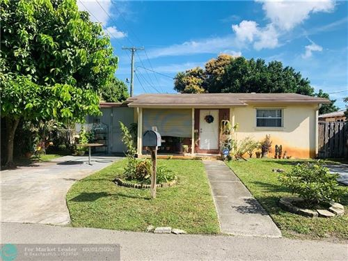 Photo of 815 S Finley Ct, Hollywood, FL 33020 (MLS # F10211488)