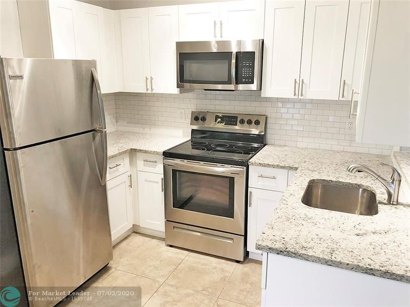 Photo of 627 NE 8th Ave #3, Fort Lauderdale, FL 33304 (MLS # F10236493)