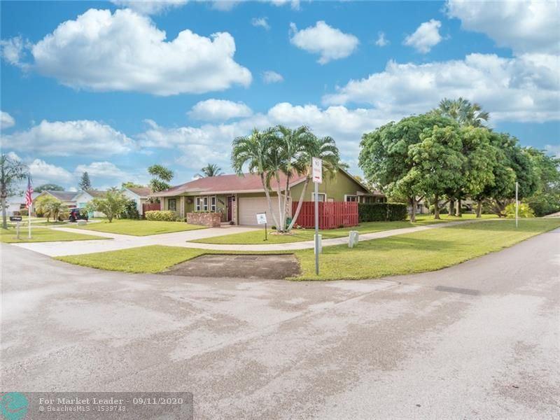 Photo of 2796 SW 13th Dr, Deerfield Beach, FL 33442 (MLS # F10248496)