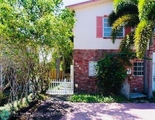 Foto de inmueble con direccion 411 Sunshine Dr Coconut Creek FL 33066 con MLS F10244502