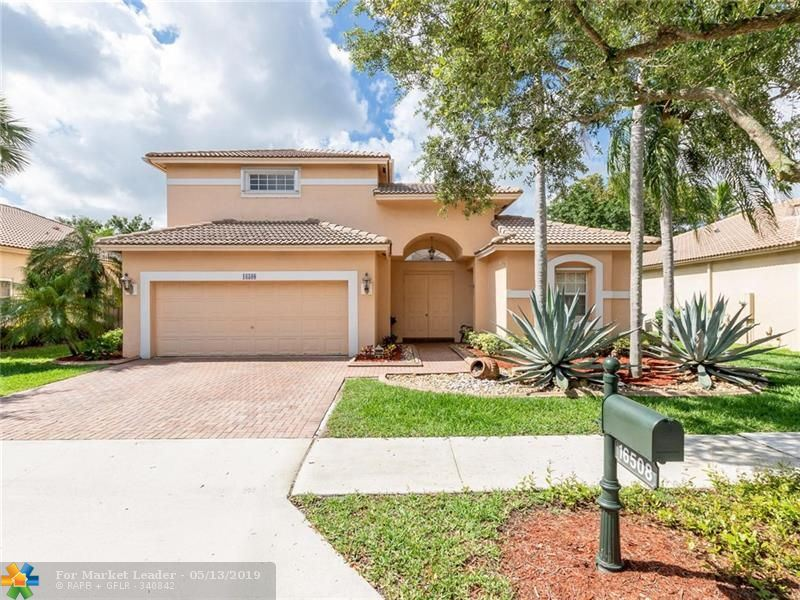 Photo for 16508 Diamond Pl, Weston, FL 33331 (MLS # F10174508)