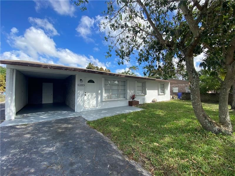 Photo of 2250 SW 43rd Ave, Fort Lauderdale, FL 33317 (MLS # F10273508)