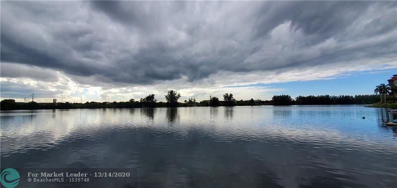 1060 Crystal Lake Dr #103, Deerfield Beach, FL 33064 - #: F10259511