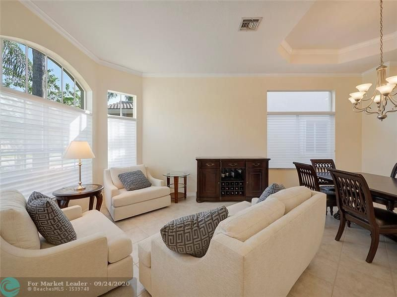 Photo of 19378 SW 64th St, Fort Lauderdale, FL 33332 (MLS # F10250514)