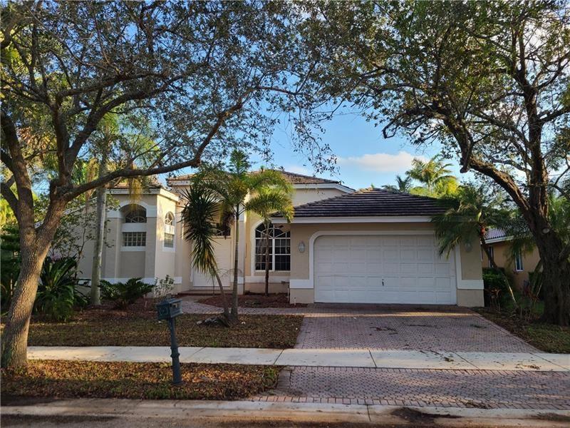 2624 Oakbrook Dr, Weston, FL 33332 - #: F10272522