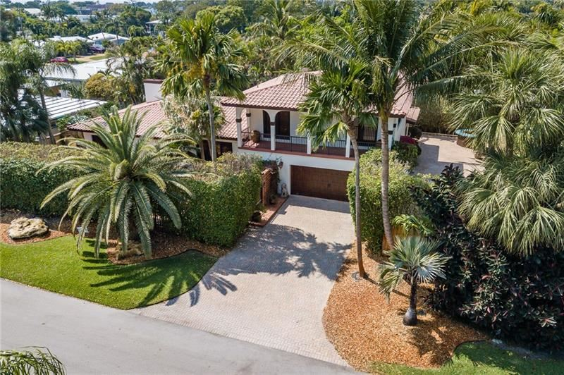 Photo of 2733 NE 18th Ter, Wilton Manors, FL 33306 (MLS # F10275522)