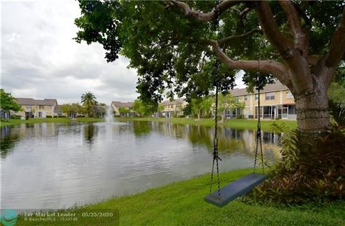 Foto de inmueble con direccion 9049 NW 55th St #9049 Sunrise FL 33351 con MLS F10230527