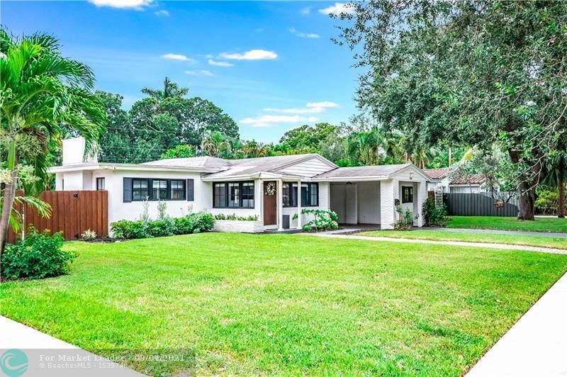 Photo of 1014 SW 19th St, Fort Lauderdale, FL 33315 (MLS # F10299531)