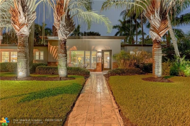 Photo for 1928 NE 7th Ct, Fort Lauderdale, FL 33304 (MLS # F10179534)
