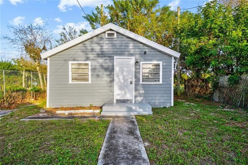 Photo of 27 NW 11th Ave, Delray Beach, FL 33444 (MLS # F10272536)