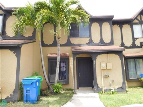 Foto de inmueble con direccion 4431 NW 93rd Way #4431 Sunrise FL 33351 con MLS F10230543