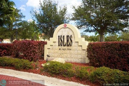 Photo of 12430 Vista Isles Dr #1318, Plantation, FL 33325 (MLS # F10242550)