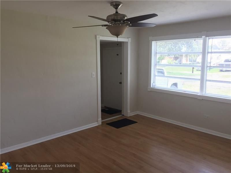 Photo of 5600 SW 38th Ct, Davie, FL 33314 (MLS # F10206553)