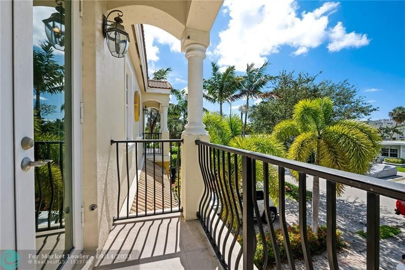 Photo of 265 Neptune Ave, Lauderdale By The Sea, FL 33308 (MLS # F10300561)