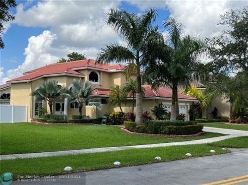 Photo of 972 SW 176th Ave, Pembroke Pines, FL 33029 (MLS # F10303570)