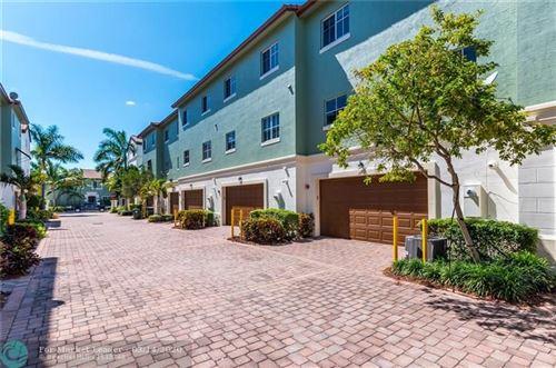 Photo of 37 NW Hawthorne Pl, Boca Raton, FL 33432 (MLS # F10221573)