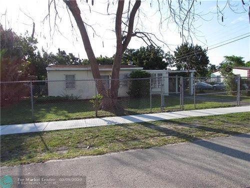 Foto de inmueble con direccion 18000 NW 2nd Ct Miami Gardens FL 33169 con MLS F10220574