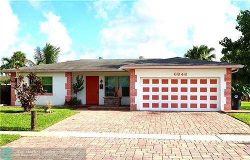 Foto de inmueble con direccion 6846 Broadmoor North Lauderdale FL 33068 con MLS F10246574