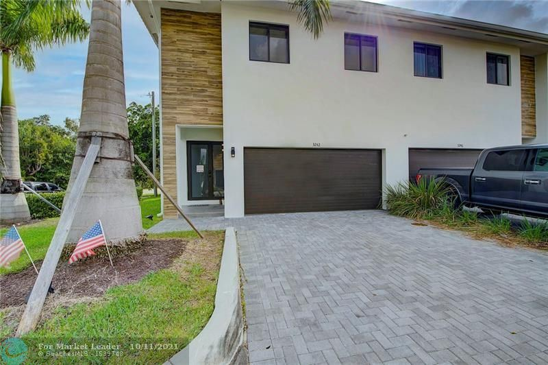 Photo of 3242 SW 44th St, Fort Lauderdale, FL 33312 (MLS # F10302577)