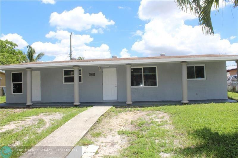 Photo of 3810 SW 59th Ave, Davie, FL 33314 (MLS # F10291582)