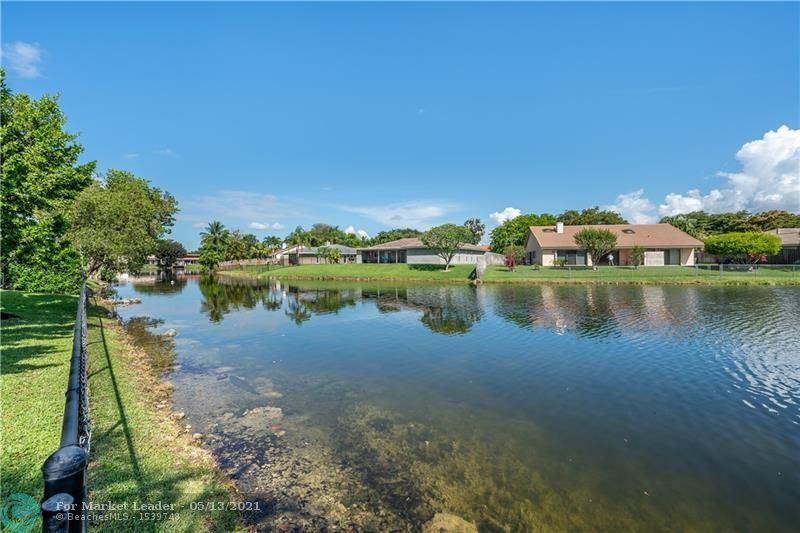 Photo of 9621 NW 14th St, Plantation, FL 33322 (MLS # F10283583)