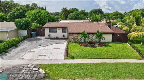 Photo of 6960 SW 4th St, Pembroke Pines, FL 33023 (MLS # F10301584)