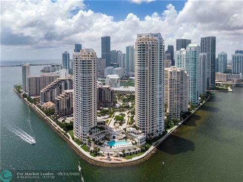 Foto de inmueble con direccion 848 Brickell Key Dr #304 Miami FL 33131 con MLS F10240589