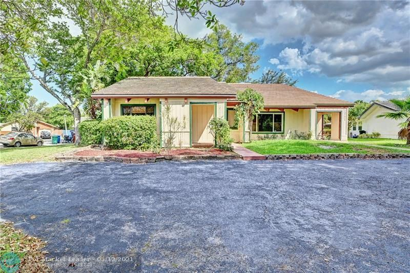 Photo of 12100 NW 23rd Mnr A, Coral Springs, FL 33065 (MLS # F10283594)