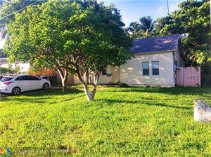 Photo of 823 NE 14th Pl, Fort Lauderdale, FL 33304 (MLS # F10123599)