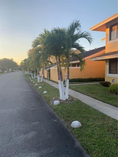 405 NW 214th St #108, Miami, FL 33169 - #: F10269599