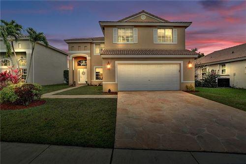 Photo of 424 SW 195th Ave, Pembroke Pines, FL 33029 (MLS # F10272601)