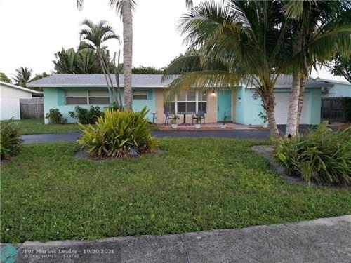 Photo of 222 SE 11th Ct, Deerfield Beach, FL 33441 (MLS # F10300610)