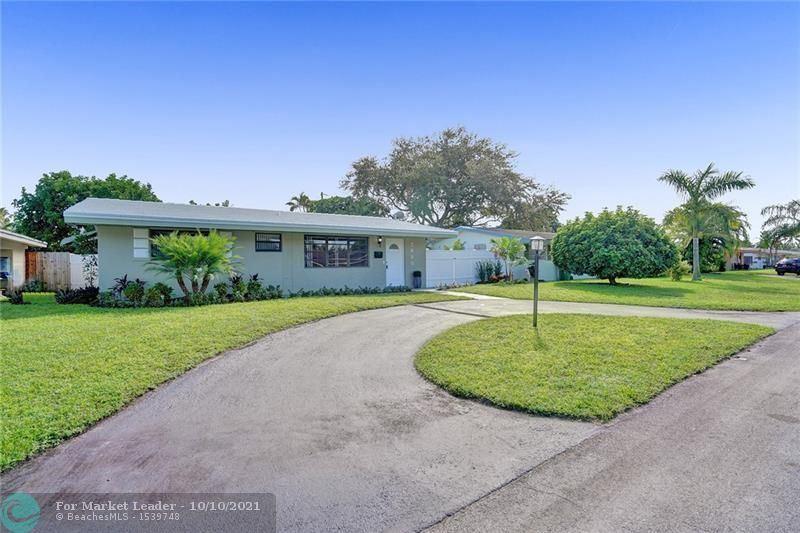 Photo of 7680 NW 12 St, Pembroke Pines, FL 33024 (MLS # F10303611)