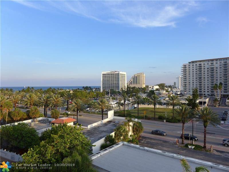 Photo for 2900 Banyan St #308, Fort Lauderdale, FL 33316 (MLS # F10193614)