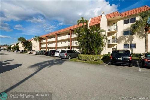 Photo of 691 S Hollybrook Dr #207, Pembroke Pines, FL 33025 (MLS # F10264616)