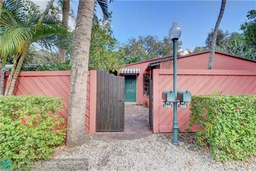 Photo of Listing MLS f10215619 in 724 SW 14th Ter Fort Lauderdale FL 33312