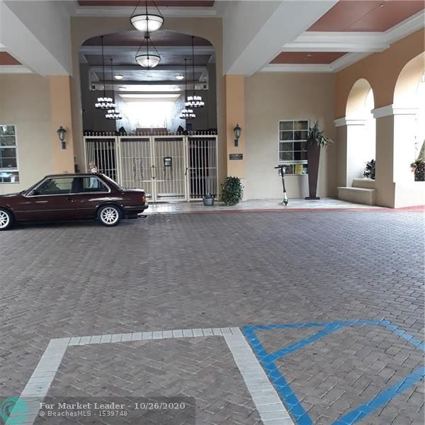 Photo of 520 SE 5th Ave #3704, Fort Lauderdale, FL 33301 (MLS # F10255621)