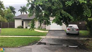 Photo of 590 SW 166th Ter, Weston, FL 33326 (MLS # F10203626)