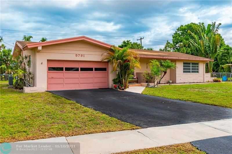 Photo of 5791 Pine Ter, Plantation, FL 33317 (MLS # F10283633)