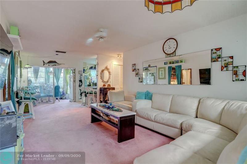 4100 Crystal Lake Dr #111, Deerfield Beach, FL 33064 - MLS#: F10245636