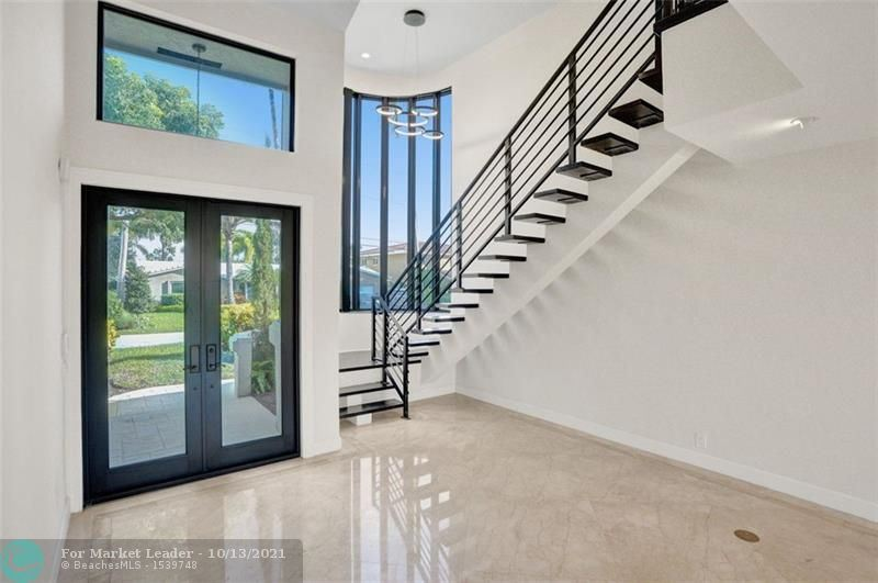 Photo of 3140 NE 40th Ct, Fort Lauderdale, FL 33308 (MLS # F10302641)
