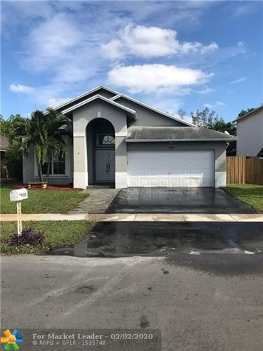 Photo of Listing MLS f10214645 in 1301 SW 97th Ave Pembroke Pines FL 33025