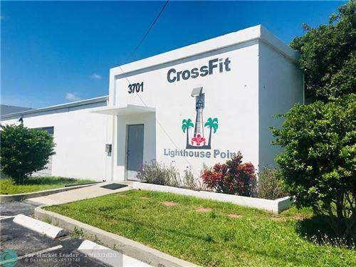 Foto de inmueble con direccion 3701 NE 12th Ave Pompano Beach FL 33064 con MLS F10253647
